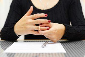 Брак может быть расторгнут без согласия второго супруга в органах