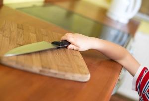Основания для ограничения родительских прав и отобрание ребенка