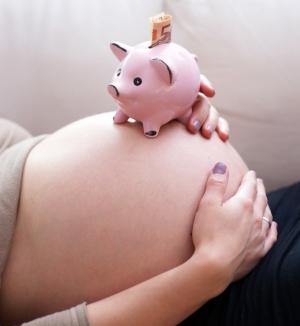 Как стать суррогатной матерью в 2018 году? Сколько платят?
