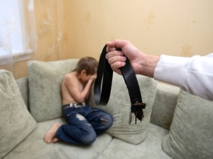 За что можно лишить бывшего мужа родительских прав