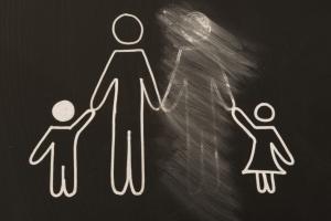Порядок лишения уклониста родительских прав