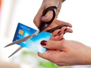 Нюансы перевыпуска банковской карты при смене фамилии