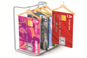 Как поменять банковскую карту при смене фамилии