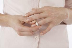 Как оформить развод без присутствия одного из супругов?
