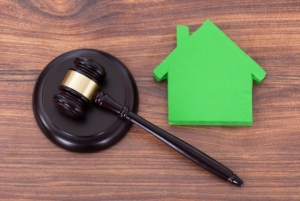 Как выписать бывшего мужа из приватизированной квартиры после развода?