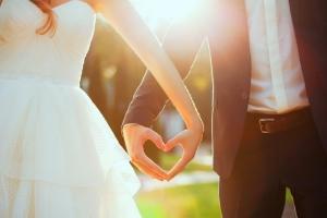 Во сколько лет девушкам можно вступать в брак в россии