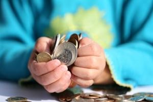 Как получить детские пособие до  л многодетной мама