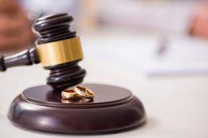 Развод через ЗАГС или суд