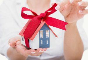 Как подарить жене квартиру или долю в квартире