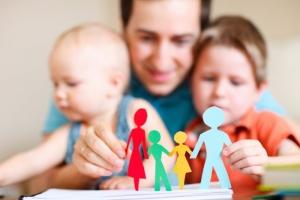 Какие права имеет родитель, который живет отдельно