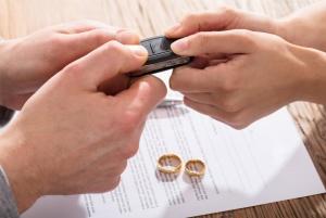 Если муж продал машину после дтп купленную в браке развода