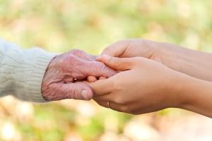 Отказ в социальном обслуживании пожилого человека