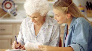Как правильно оформить уход за пенсионером