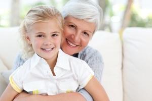Почему оформляют опеку при живых родителях