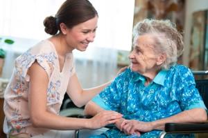Кто может получать пособие по уходу за 80 летним пенсионером