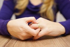Как развестись с мужем если есть несовершеннолетние дети без его