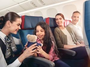 Со скольки лет можно садить детей на самолет без сопровождения