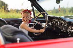 Можно ли оформить автомобиль на несовершеннолетнего ребенка в 2020