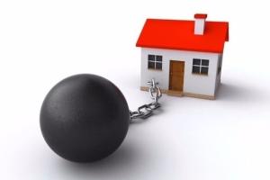 Как продать квартиру с прописанным человеком?