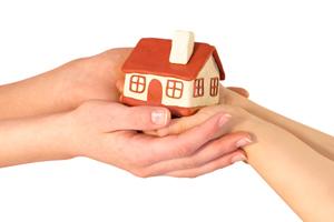 Как выделить несовершеннолетнему ребенку долю в квартире?