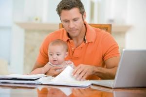 Может ли отец зарегистрировать ребенка по месту жительства матери