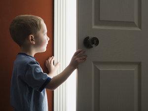 Регистрация ребенка в муниципальной и приватизированной квартире